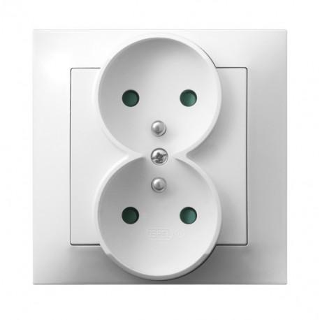 IMPRESJA Gniazdo podwójne z uziemieniem, z przesłonami torów prądowych, kolor biały GP-2YZP/00 (sprzedawane w całości)